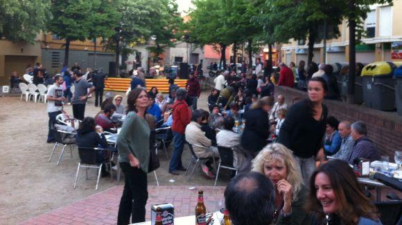 'Nit de vins i roses' dóna vida a la plaça de Pep Ventura