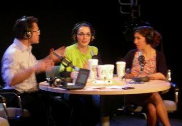 Les relacions humanes i laborals es converteixen en comèdia amb 'Nits de ràdio dos punt zero'