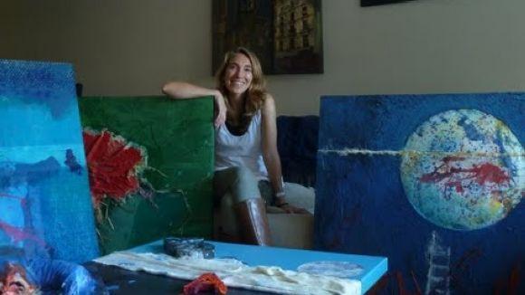 L'artista santcugatenca Núria Benet exposa les seves obres a Rubí
