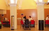 La seu de l'OAC està situada al vestíbul de l'Ajuntament