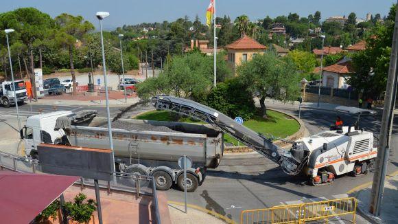 Nova fase d'asfalt dels carrers de Valldoreix