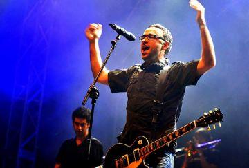 Obrint Pas presenta el seu nou disc en un dels concerts estrella de la festa