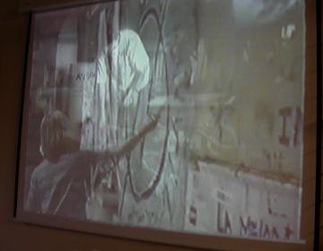 Un sopar i un passi de vídeos recoden els 10 anys d'okupació del Casal de Torreblanca