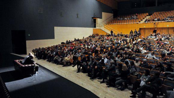 La programació OFF del Teatre-Auditori permet viure l'experiència teatral des de dins