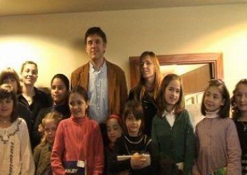 Cantarell guardona Montserrat Cadafalch amb el Premi General del Concurs de Pintura Infantil