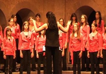 El cor infantil obre les portes als infants per participar en un concert amb altres cors del món