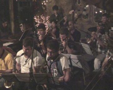 La Big Band passa la prova amb el seu primer assaig obert