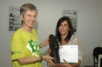 Un premi de l'ONG Humana reconeix la tasca de reciclatge de roba de l'Ajuntament