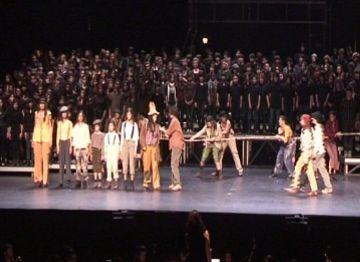 Una iniciativa del Liceu posa en contacte infants de la ciutat amb l'òpera i la música