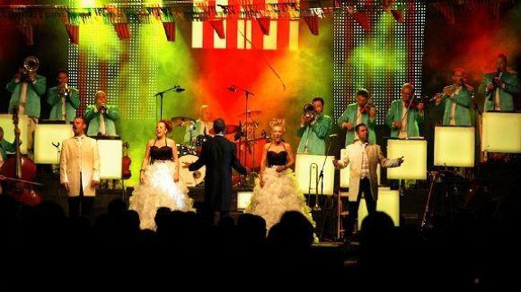 La revetlla de Sant Pere, al ritme de l'Orquestra Maravella