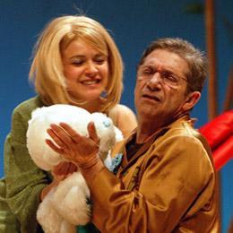 Joan Pera torna a seduir el públic del Teatre-Auditori amb 'Òscar: una maleta, dues maletes, tres maletes'