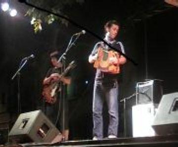 El Belda i el conjunt Badabadoc versionen amb ritmes caribenys clàssics del cançoner català