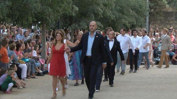 Un 'Paga-li, Joan' multitudinari en parelles i públic manté viva la tradició un Sant Pere més