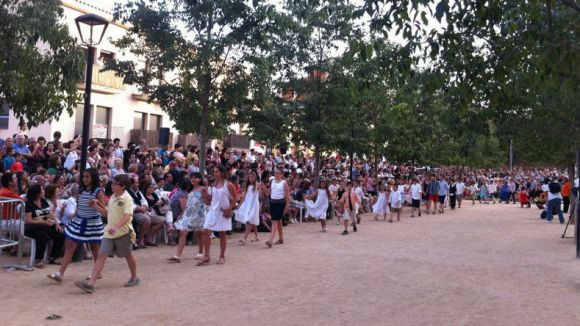 Més de 120 parelles han ballat un 'Paga-li, Joan' de rècord
