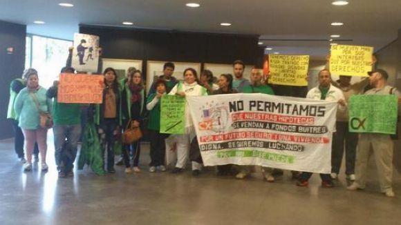 La PAH de Rubí encara els 50 dies de protesta a Sant Cugat