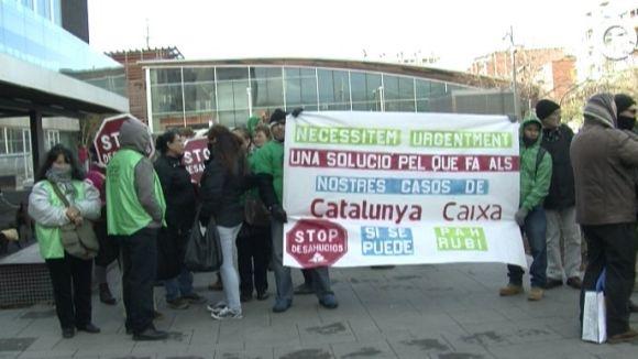 La PAH de Rubí aixecarà l'acampada si CatalunyaCaixa resol cinc casos la setmana vinent