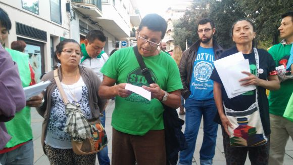 La PAH de Sant Cugat es manifesta en suport als companys concentrats de Rubí