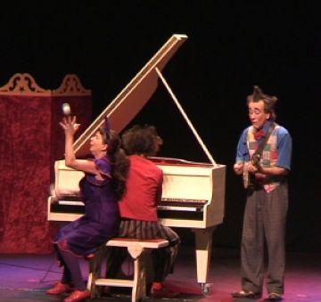 'Rococó Bananas' posa al dia la figura del pallasso al Teatre-Auditori