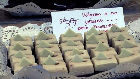 La pastisseria Sàbat inventa uns panellets amb forma d'urna