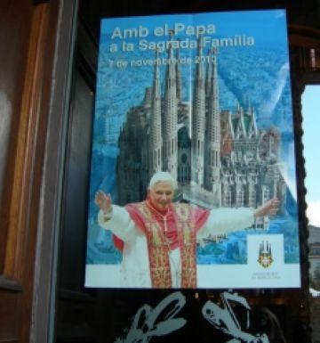 Dilema entre els fidels santcugatencs davant la visita del Papa