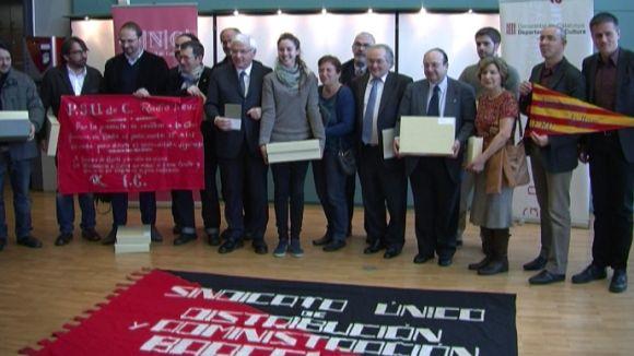 Particulars i entitats reben una nova remesa de 'papers de Salamanca'