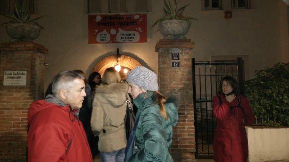 Alguns pares del Santa Isabel, a les portes del centre després de la reunió