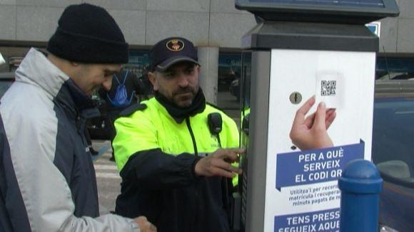 La zona blava del Mercat de Torreblanca estrena un sistema d'aparcament gratuït per a clients