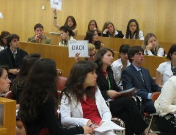Deu joves santcugatencs participaran al Fòrum Internacional del Parlament Europeu per a Joves