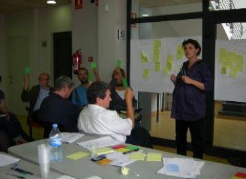 Els valldoreixencs inicien el procés per determinar els futurs usos de la plaça del Casal de Cultura
