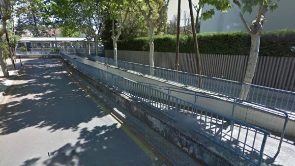 El pas de vianants de l'estació dels FGC de Sant Cugat tanca avui per obres