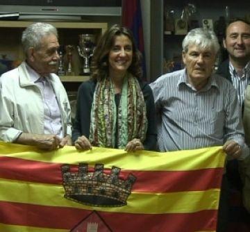 Conesa lloa la tasca social i formativa de la Penya Blaugrana