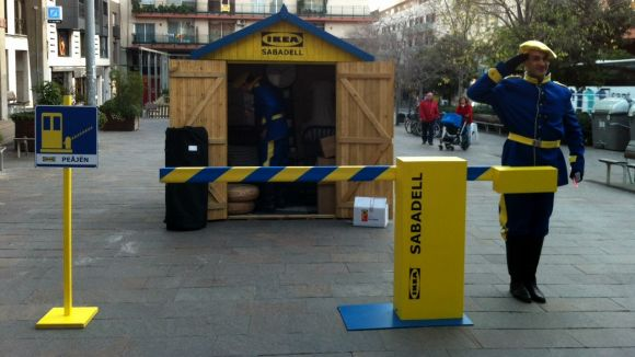 El 'Peäjen' d'Ikea arriba a Sant Cugat per donar regals als santcugatencs