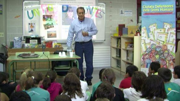 Pedro Pantoja s'ha trobat amb els alumnes de 5è de primaria de l'escola Collserola