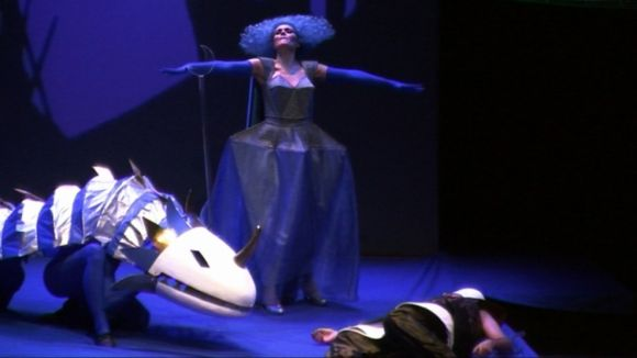 El públic familiar del Teatre-Auditori s'aproxima a l'òpera amb 'La petita flauta màgica'