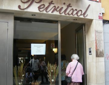 Inaugurat el bar 'Petritxol', inspirat en l'espai de restauració del carrer barceloní