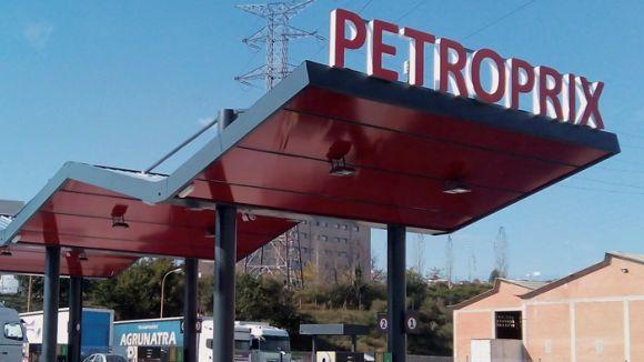 La benzinera 'low cost' Petroprix de Sant Cugat ha obert aquest dimecres
