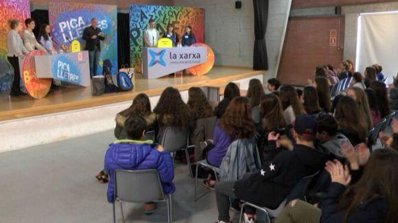 Alumnes del Col·legi Viaró i de l'institut Lluís Companys de Ripollet s'enfronten a un nou 'Pica Lletres'