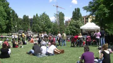 Els jardins del Monestir s'omplen de música i santcugatencs en la 1a edició del Pícnic Musical