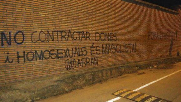 Pintades d'Arran contra el Viaró per 'masclista'