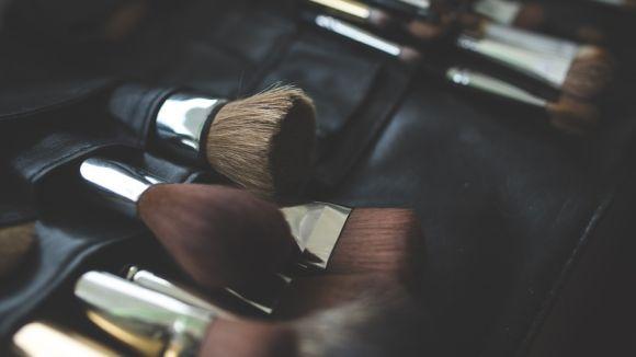 Els pinzells de maquillatge acumulen una gran quantitat de bacteris / Foto: cc