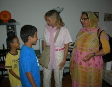 La ministra de cultura de la RADS destaca el compromís de Sant Cugat amb el poble sahrauí