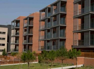 El preu de l'habitatge nou a Sant Cugat baixa més que a la comarca, però menys que a Catalunya