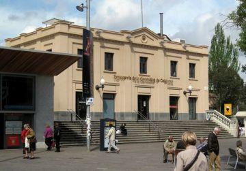 Mor un home d'un atac de cor a la plaça de Lluís Millet