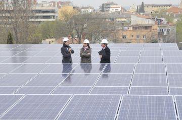 Les plaques fotovoltaiques municipals generen gairebé 12.000 euros