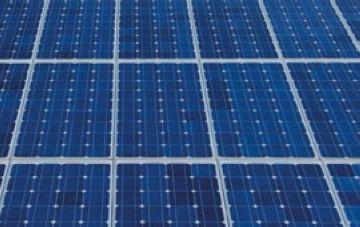 El centre transformador elèctric de Sant Cugat incorpora un sistema de plaques fotovoltaiques