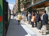 L'àrea de Mobilitat actualitza la senyalització de les parades d'autobús