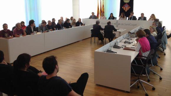 Sant Cugat viu el darrer ple municipal d'un mandat marcat per la crisi