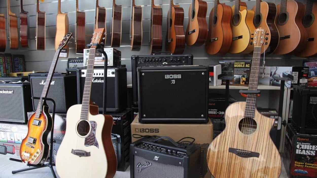 On puc comprar o llogar instruments a la ciutat?