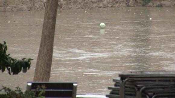 Caigudes d'arbres i inundacions, principals incidències del temporal a Sant Cugat