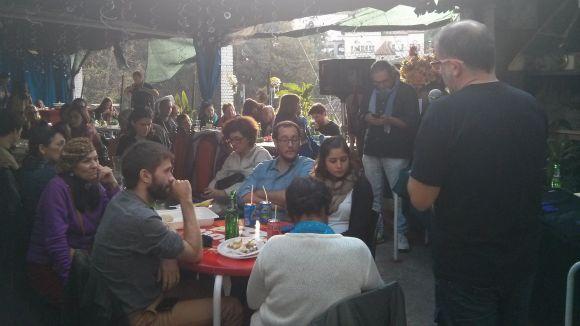 El cercle Podem la Floresta ha celebrat aquest diumenge una paellada popular